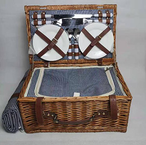 willow picnic basket set with blanket,picnic hamper,service for 4